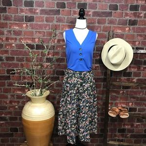 🦋30% OFF Sz M Floral Tiered Skirt